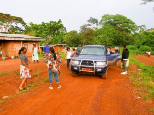 Ankunft im Dorf